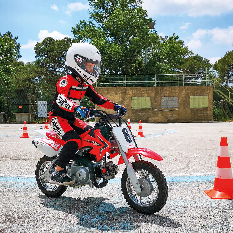 Smartbox Session d'initiation au pilotage moto pour enfants Coffret cadeau Smartbox