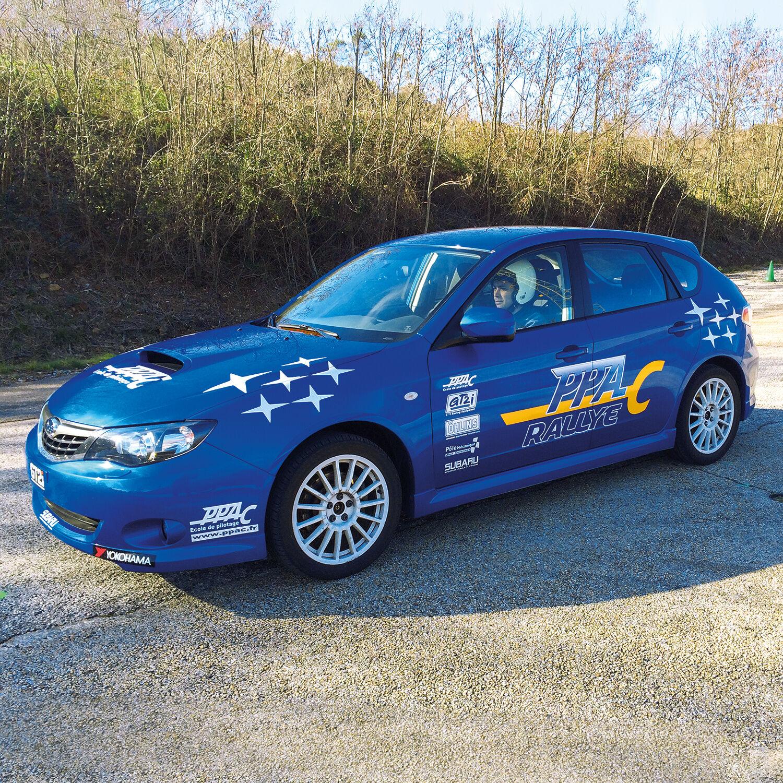 Smartbox Stage de pilotage rallye : 5 tours sur circuit au volant d'une Subaru Impreza WRX Coffret cadeau Smartbox