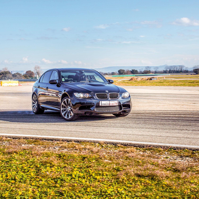 Smartbox Baptême de 2 tours en BMW M3 sur un circuit mythique de France Coffret cadeau Smartbox