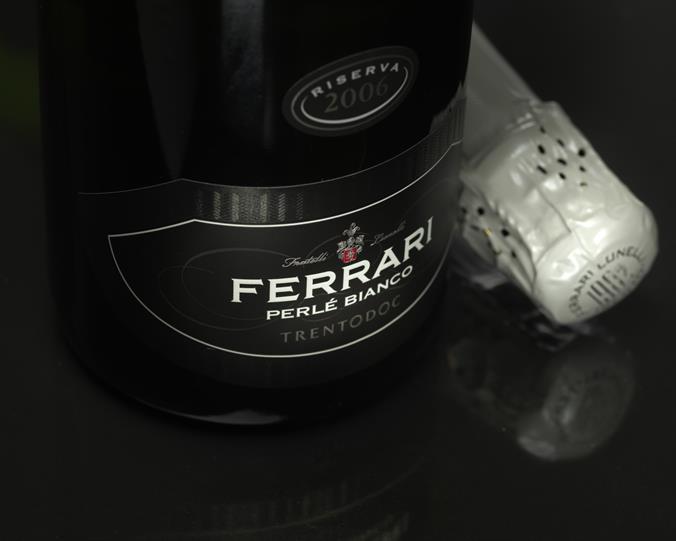 Acer Ferrari Perlé Bianco Magnum Trento Doc