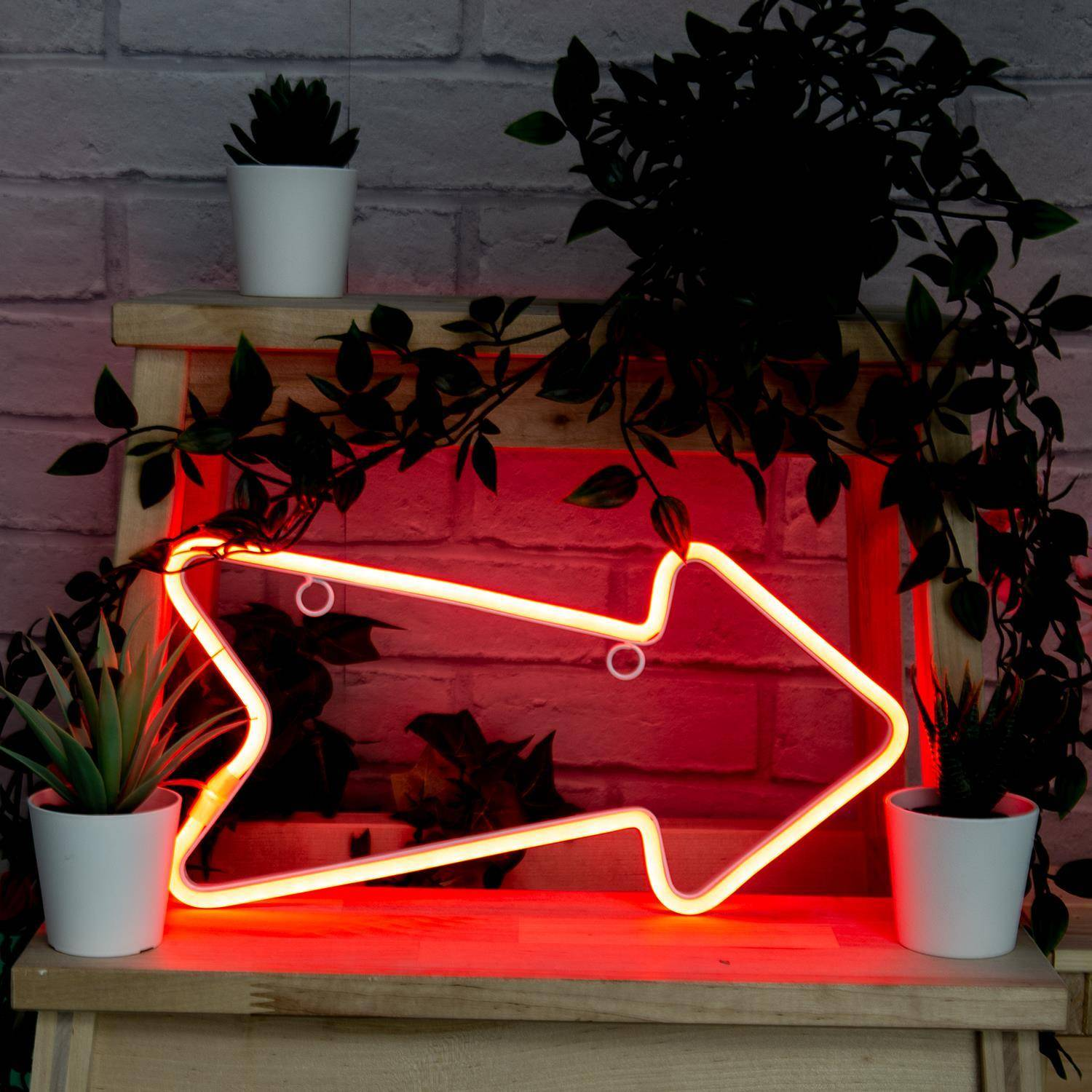 meaning you can put it anywhere in your home! Show your guests where to go with multiple arrows or simply direct them to the party with a super cool glowing red arrow. Requires 3 x AA batteries. Replacable.