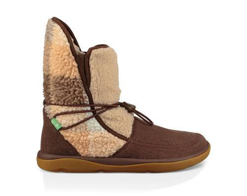 Sanuk Women's Tripper Flurry Boots Shoe in Pinecone Plaid, Size 6