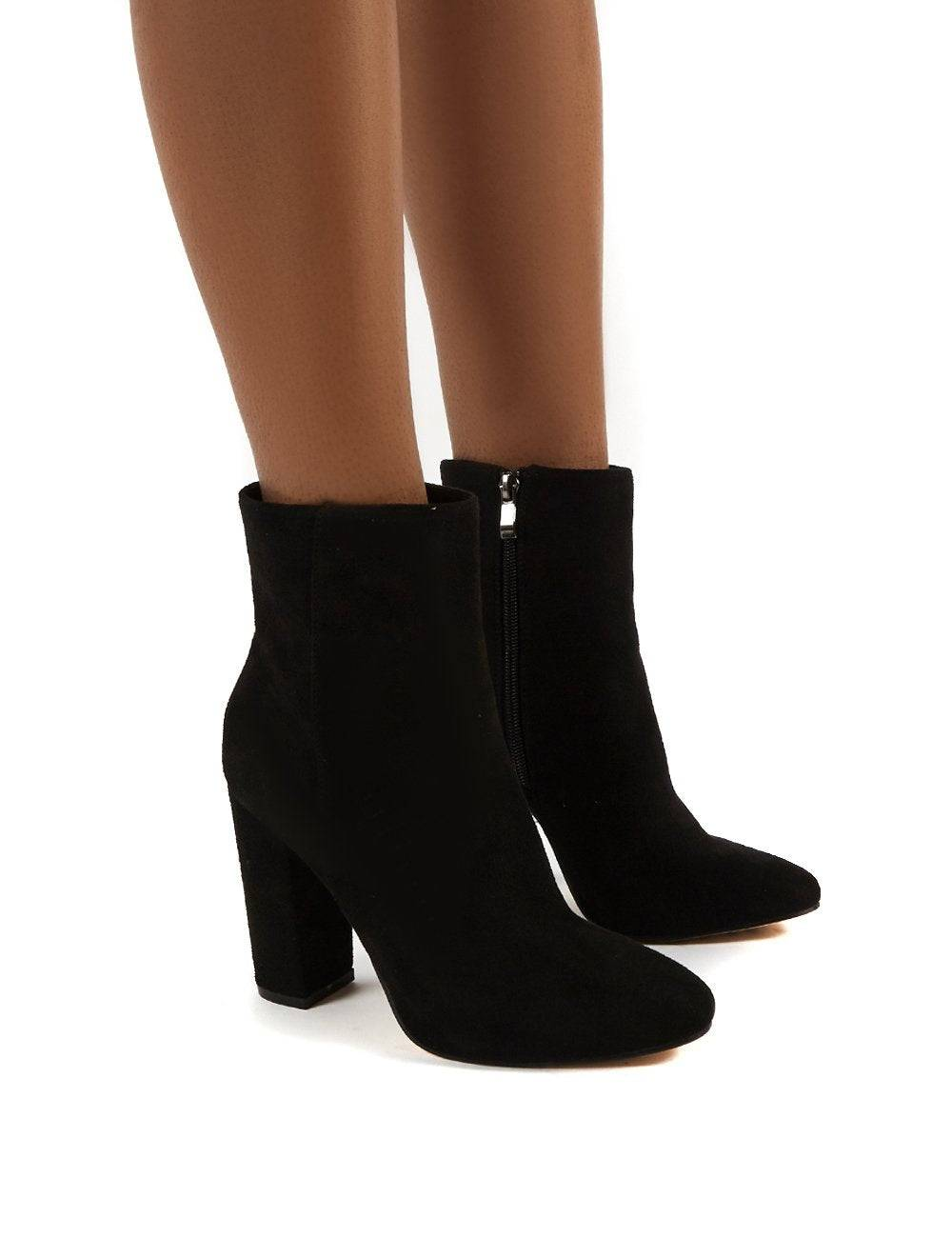 Public Desire US Presley Ankle Boots in Black Faux Suede - US 9