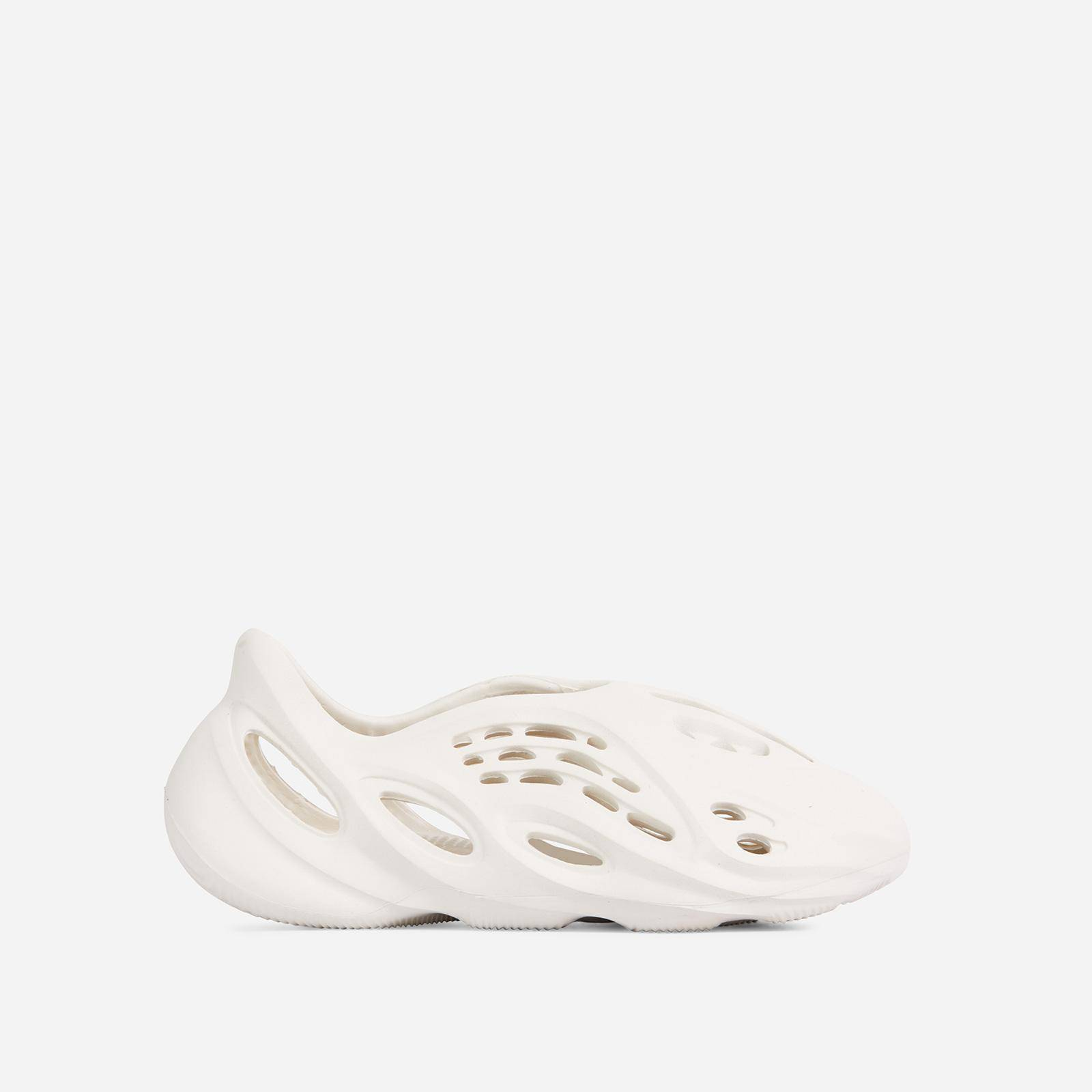 EGO Super-Bass Cut Out Detail Slip On In Off White Rubber, White  - female - Size: 7