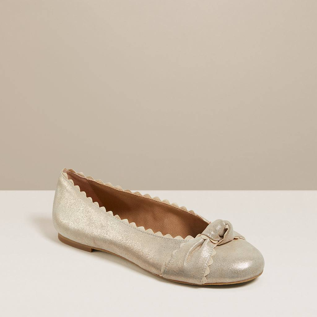 Jack Rogers USA Jack Rogers Holly Flat  - Gold - Female - Size: 7.5