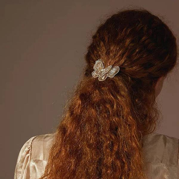 ApolloBox Cute Butterfly Hair Accessories