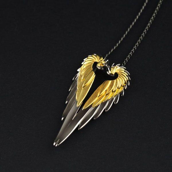 ApolloBox Angel Wing Necklace