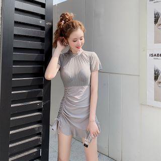 Sirene Short-Sleeve Swim Dress / Waterproof Phone Pouch / Push-Up Bra / Set