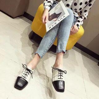 DEWA Square-Toe Lace-Up Shoes