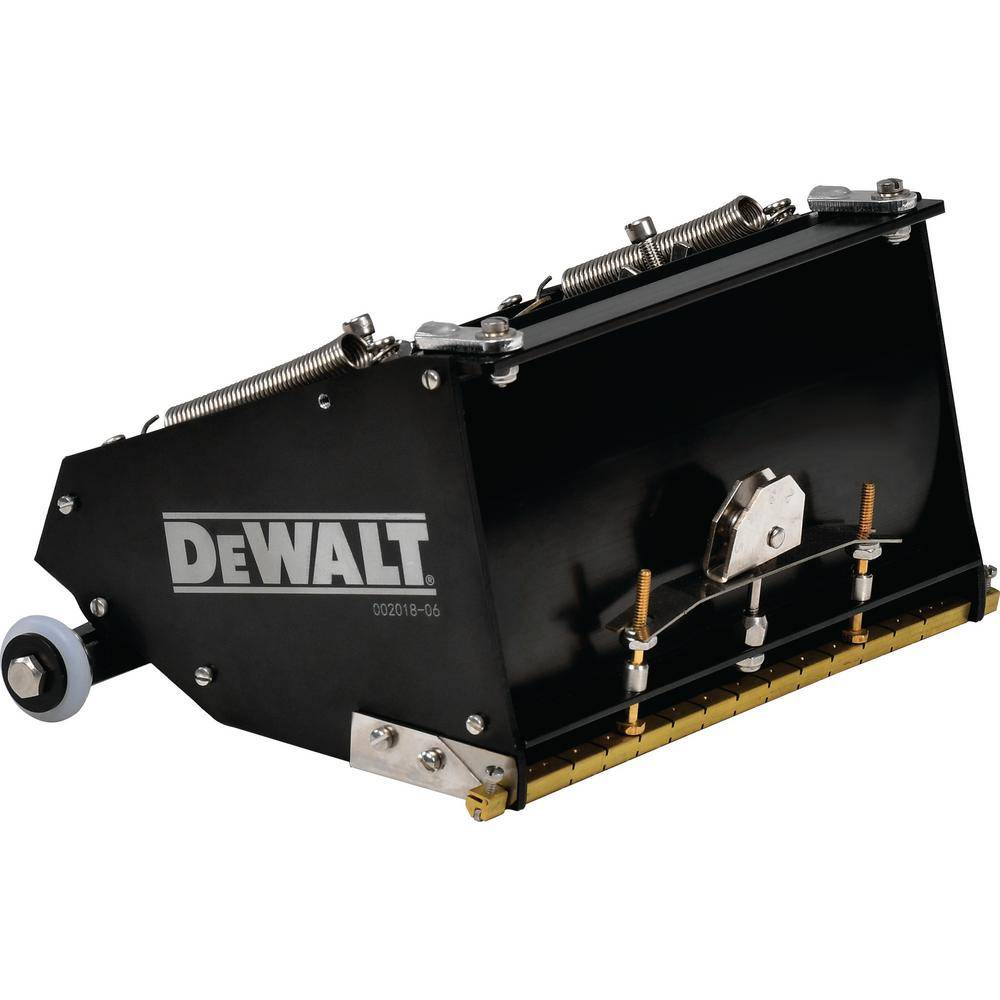 DEWALT 7 in. MEGA Flat Box