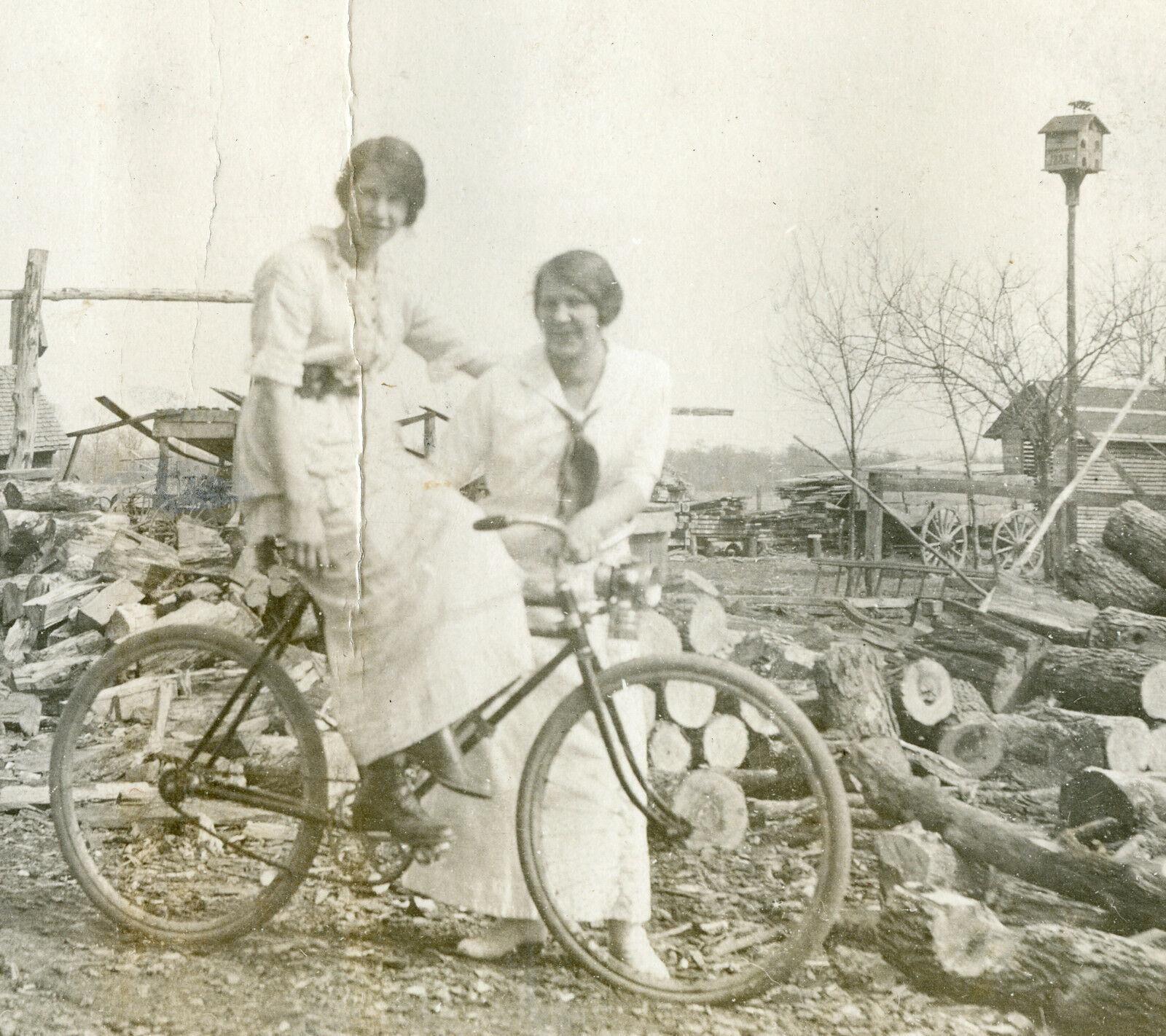 Antique VINTAGE AMERICAN FOLK ART BIRDHOUSE WEATHERVANE 1888 BIKE LIGHT PHOTO   [ ]