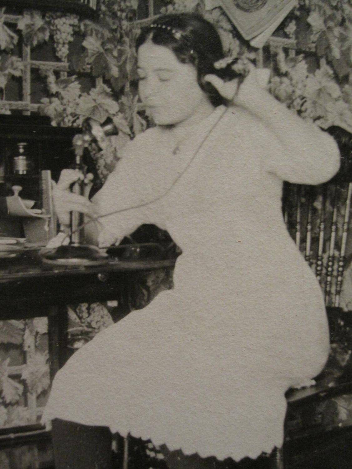 Antique VINTAGE ANTIQUE CANDLESTICK PHONE YOUNG GIRL INKWELL DESK MAGAZINE OLD PHOTO   [ ]
