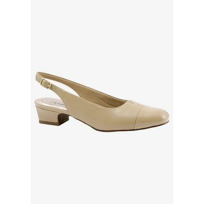 Trotters Wide Width Women's Dea Slingbacks Shoes by Trotters in Nude (9 1/2 Wide)