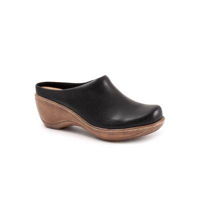 SoftWalk Wide Width Women's Madison Clog Shoes by SoftWalk in Black (9 1/2 Wide)
