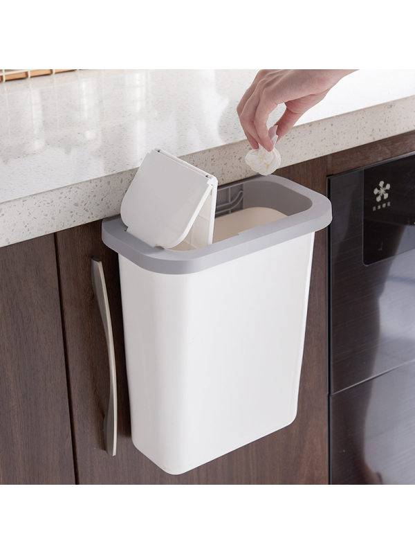 1 Push-top Trash Can With Automatic Return Lid
