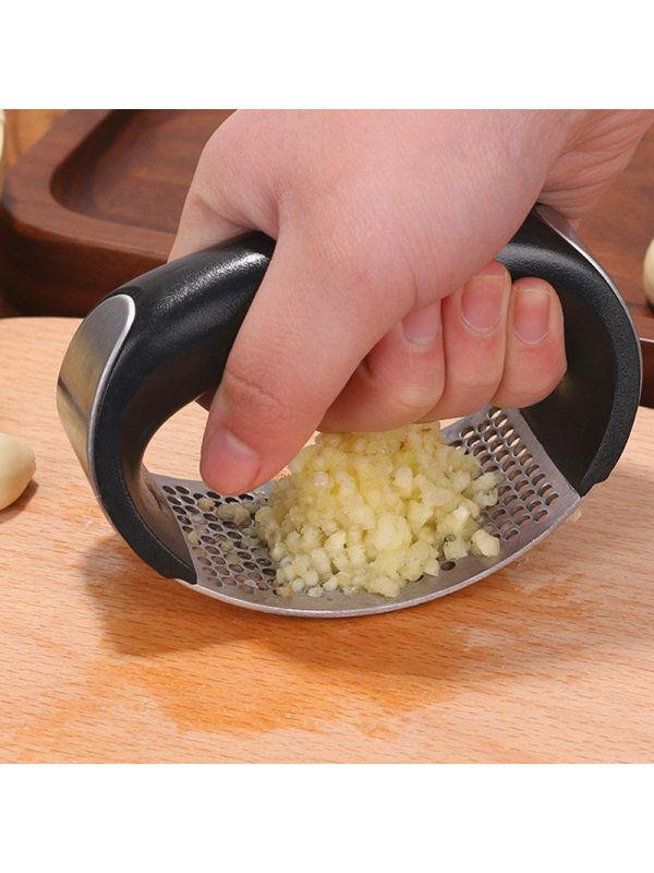 1 304 stainless steel pressure garlic artifact vibrato manual household pounding garlic puree kitchen ring ginger juice garlic clip garlic device