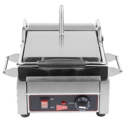 "Grindmaster-Cecilware ""Cecilware SG1SF Single Panini Sandwich Grill with Flat Grill Surfaces - 9 5/8"""" x 9"""" Cooking Surface - 120V, 1800W"""