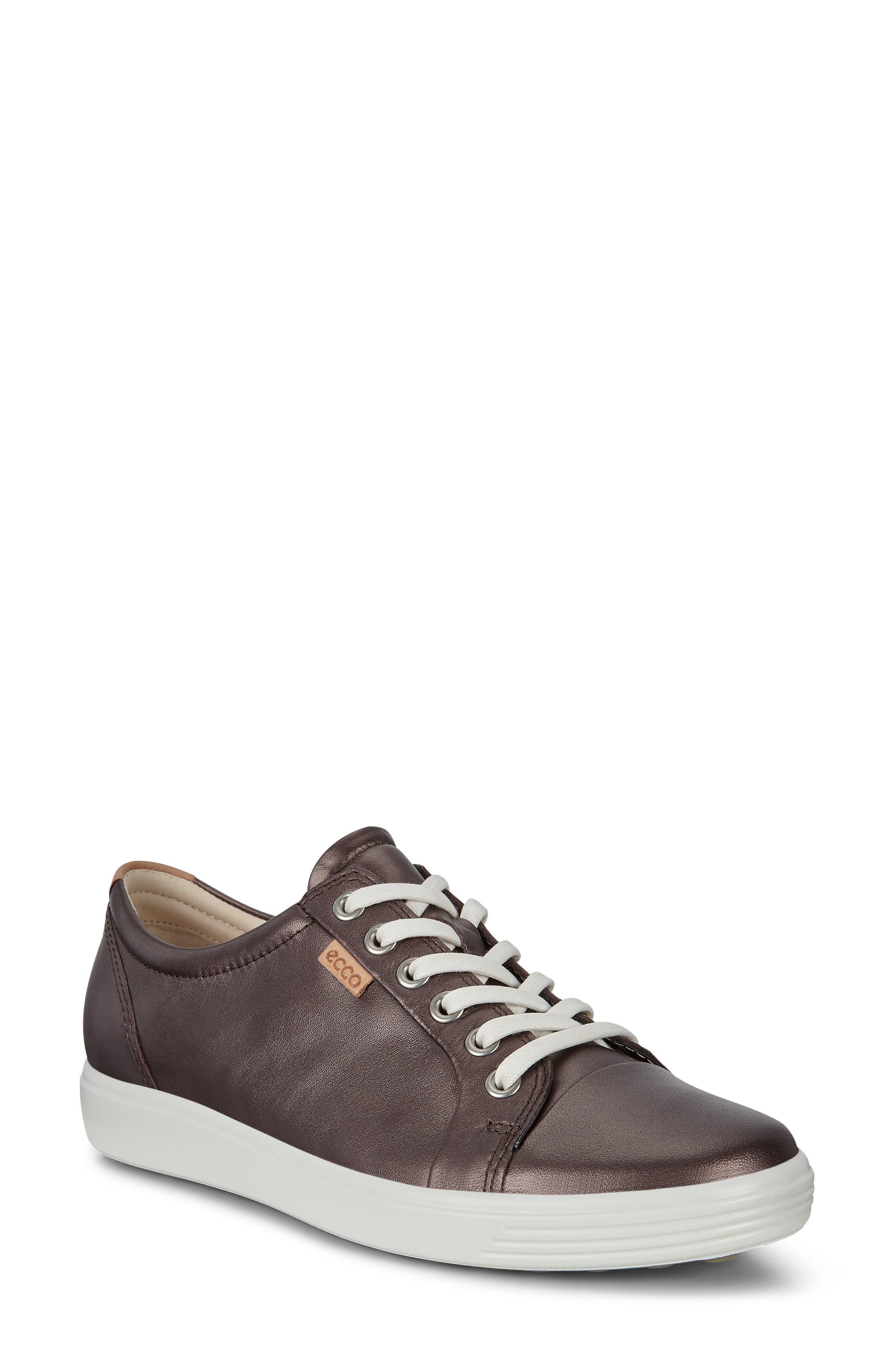 ECCO Women's Ecco Soft 7 Sneaker, Size 5-5.5US - Burgundy
