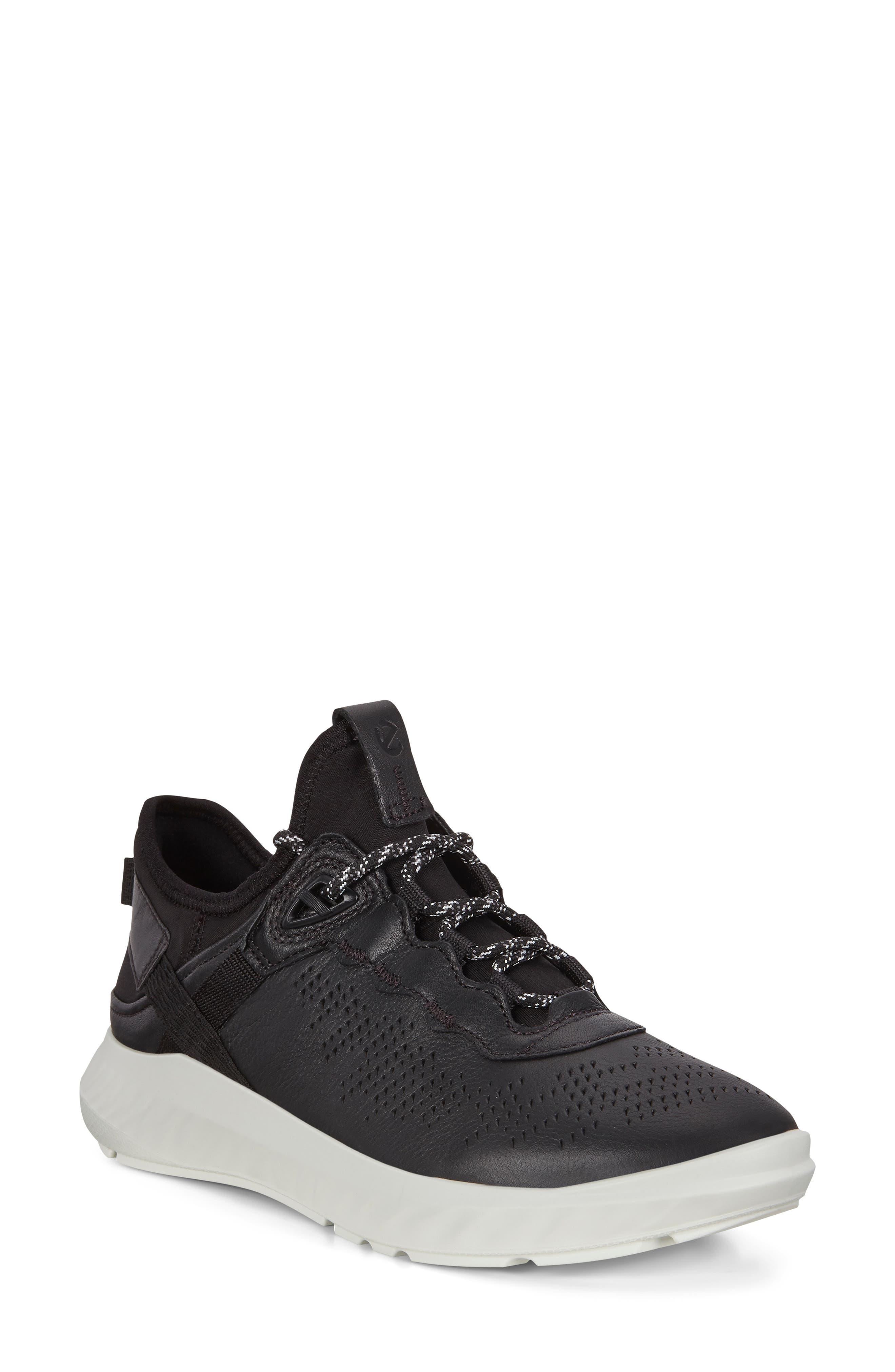ECCO Women's Ecco St.1 Lite Sneaker, Size 9-9.5US - Black