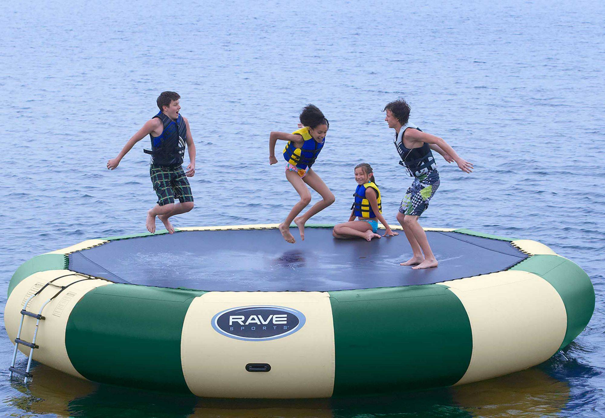 Rave Sports Bongo 20 Northwood's Bouncer Water Trampoline, 20 FT., Green