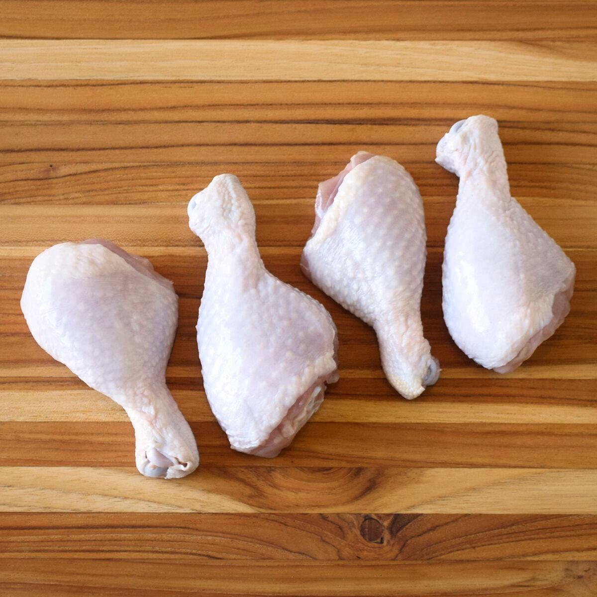 D'Artagnan Organic Chicken Drumsticks: Fresh (4lb case 4 1lb avg packs avg. each)  by D'Artagnan