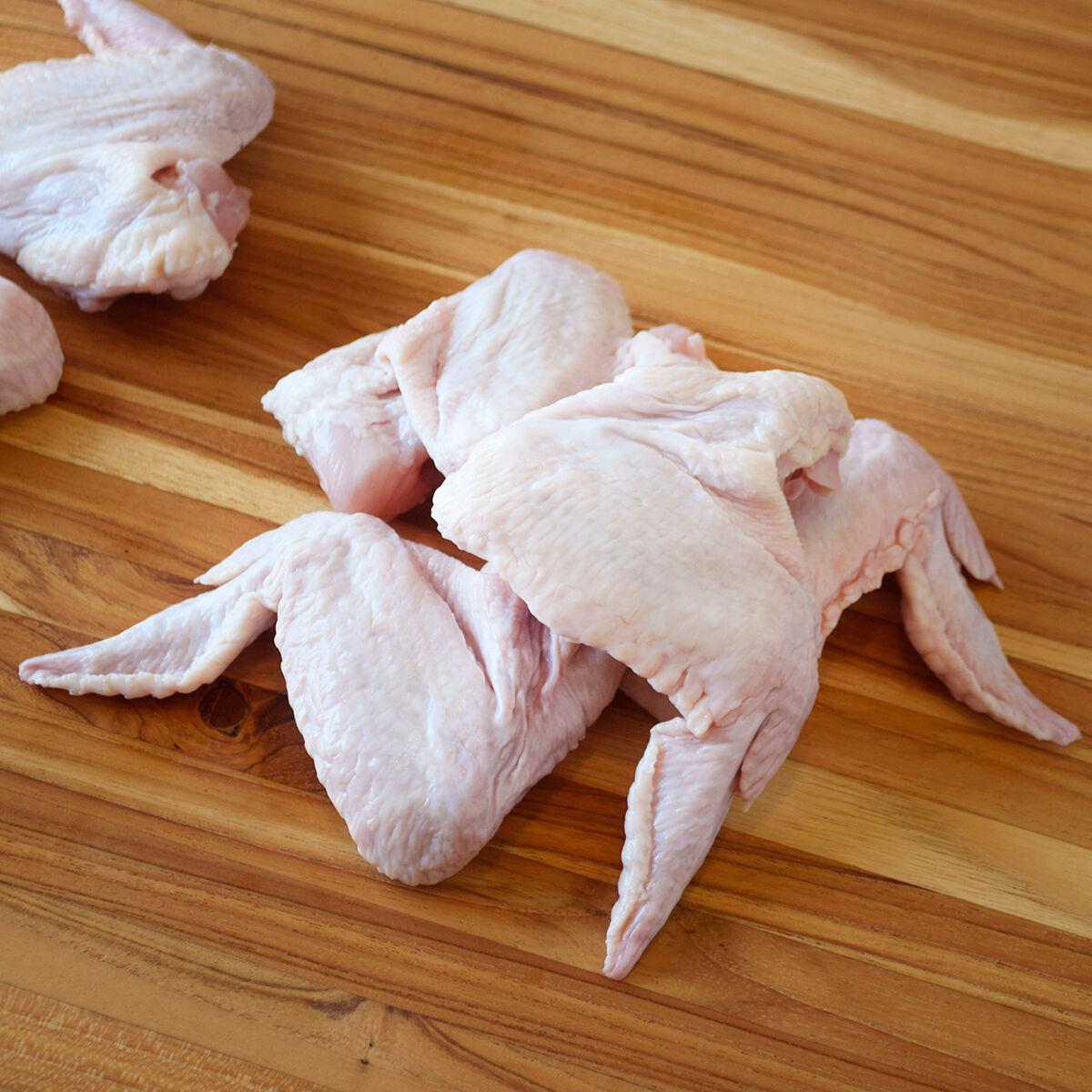 D'Artagnan Organic Chicken Wings: Fresh (4lb case 4 1lb avg packs avg. each)  by D'Artagnan