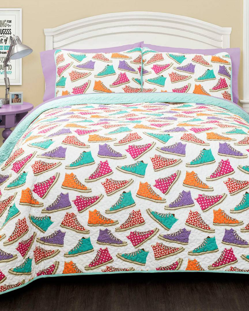 Triangle Home Canvas Shoes Quilt Set - Size: Full/Queen