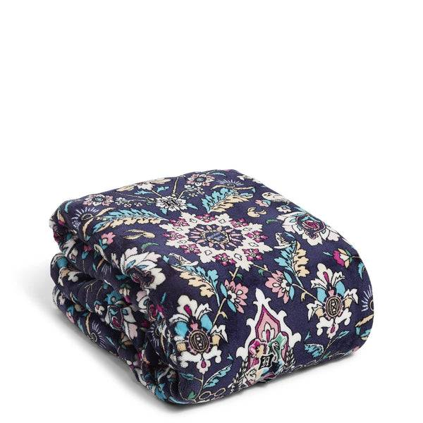 Blue Vera Bradley Harry Potter™ Cozy Life Throw Blanket in Home to Hogwarts™ Blue