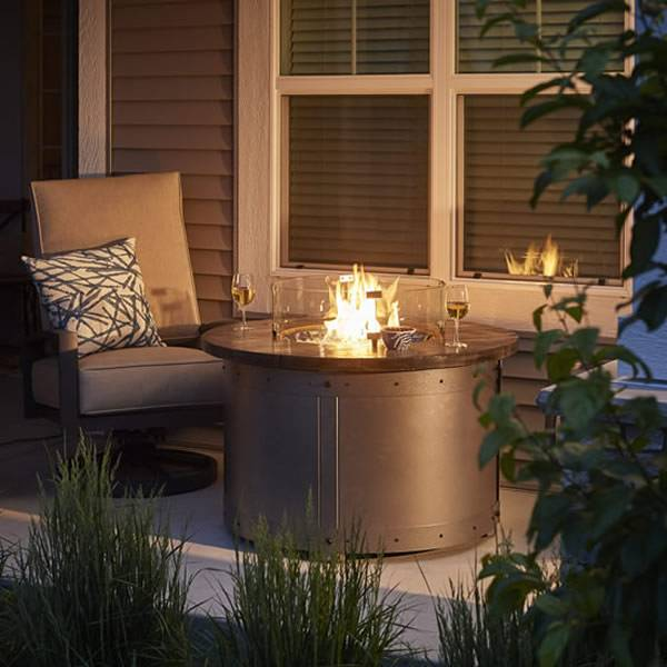 The Outdoor GreatRoom Edison Round Gas Fire Pit Table