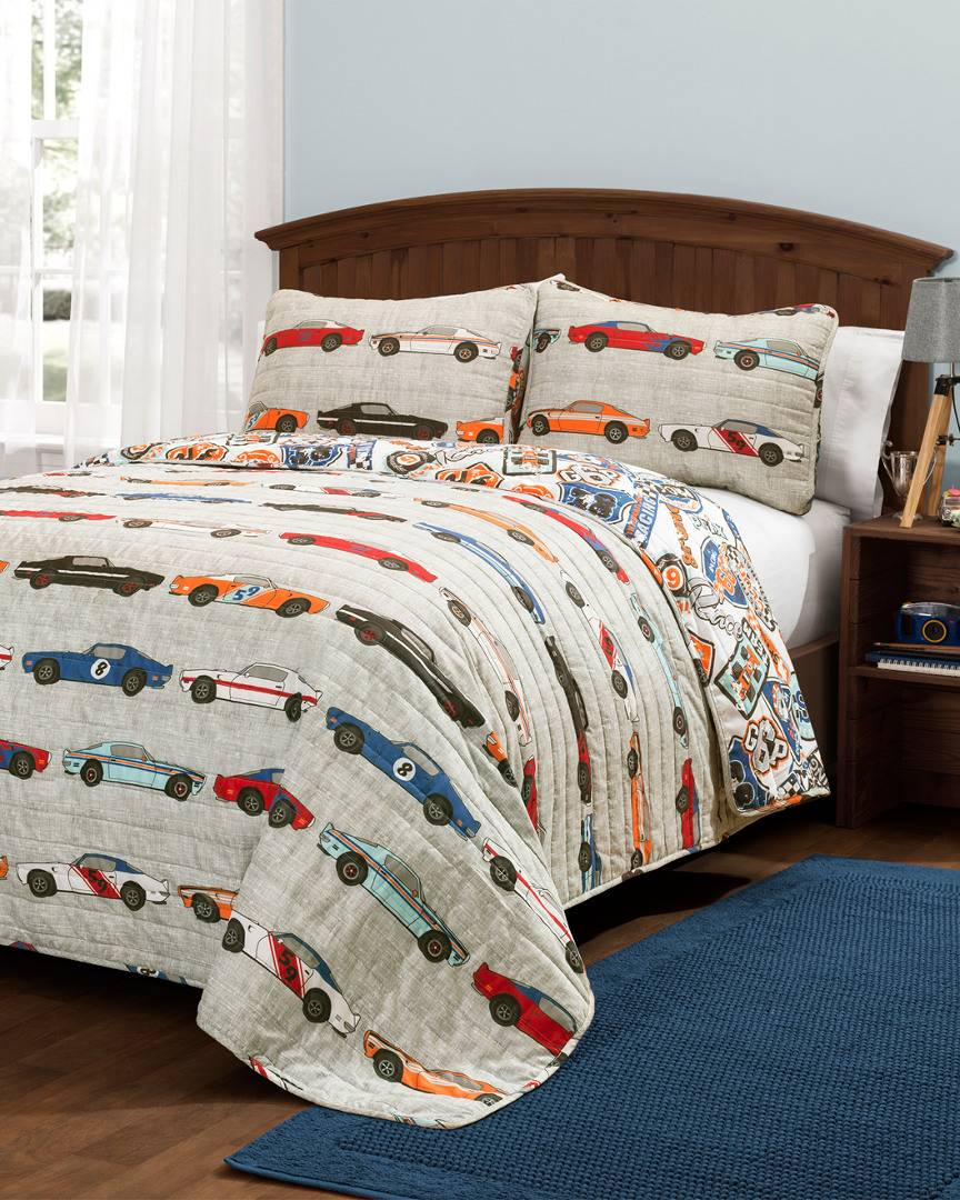 Triangle Home Race Cars Quilt Set   - Size: Full/Queen