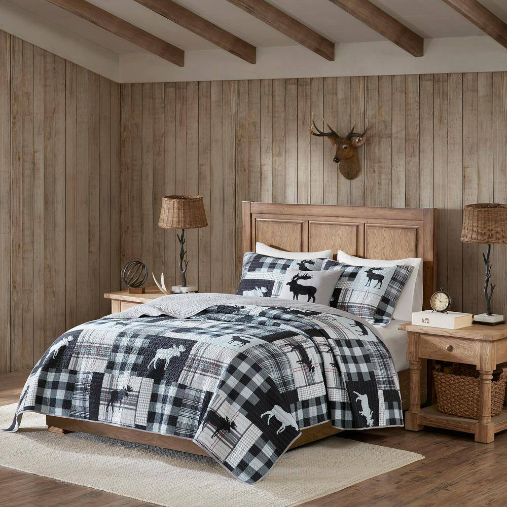 Woolrich Sweetwater 4-Piece Black/Grey King/Cal King Oversized Quilt Set