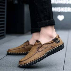 b420b589989f8 Men Casual Driving Shoes 2019 Leather Loafers Shoes Men Fashion Handmade  Soft Breathable Moccasins Flats Slip