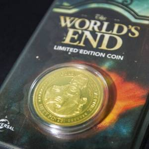 Iron Gut Publishing World's End Collectors Coin: Gold Variant - Zavvi Exclusive (Limited to 1000)