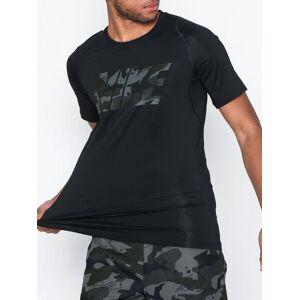 Nike M Np Top Ss Fttd 2L Cmo Trenings-t-skjorter Svart