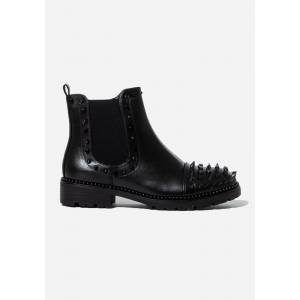 Spiked Chelsea Boots In Black