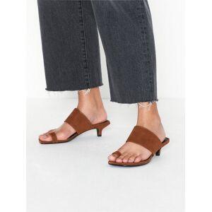 Vagabond Polly Low Heel