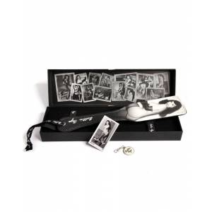 Bettie Page - Picture Perfect Spanking Paddle - 32 cm