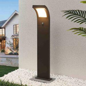 Arcchio Advik LED-gadelampe, 100 cm, med sensor
