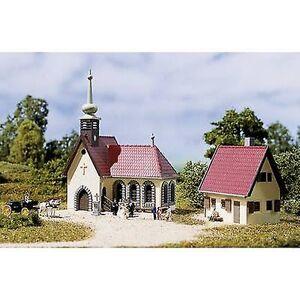 Auhagen 14461 N Village kirke med PARISH HOUSE