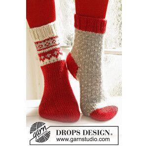 Drops - Garnstudio Twinkle Toes by DROPS Design 1 - Julesokker Grå med Lus Mønster Strikk
