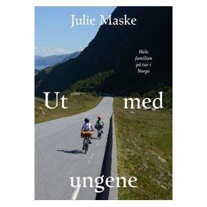 Maske, Julie Ut med ungene; hele familien på tur i Norge (8232803908)