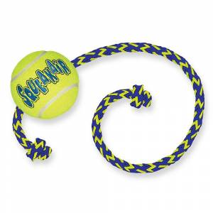 KONG SqueakAir Ball mit Seil - 1 Stück (L 55 x Ø 6 cm)