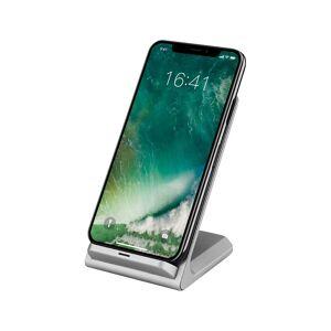 Callstel Schnell-Ladestation für Qi-kompatible Smartphones, 5 V, 10 W, silbern