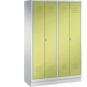 CP CLASSIC Garderobenschrank mit Sockel, zueinander schlagende Türen 4 Abteile, Abteilbreite 300 mm lichtgrau / viridingrün