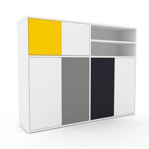 MYCS Wohnwand Weiß - Individuelle Designer-Regalwand: Türen in Weiß - Hochwertige Materialien - 152 x 118 x 35 cm, Konfigurator