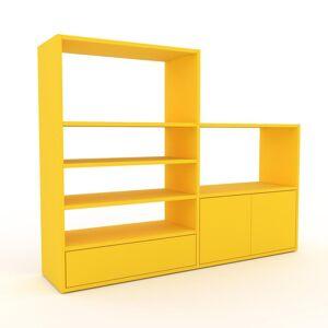 MYCS Bücherregal Gelb - Modernes Regal für Bücher: Schubladen in Gelb & Türen in Gelb - 152 x 118 x 35 cm, konfigurierbar