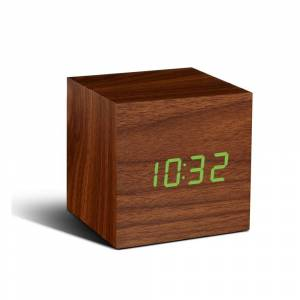 Gingko Tmavě hnědý budík se zeleným LED displejem Gingko Cube Click Clock