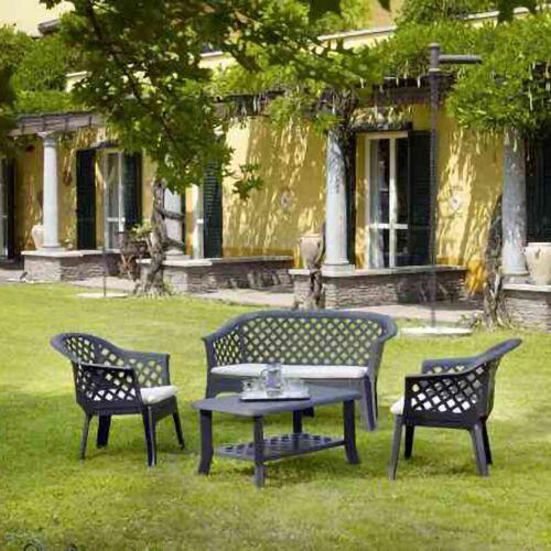 DMORA Outdoor Set mit 2 Sesseln, 1 Bank, 1 Couchtisch und Kissen, Made in