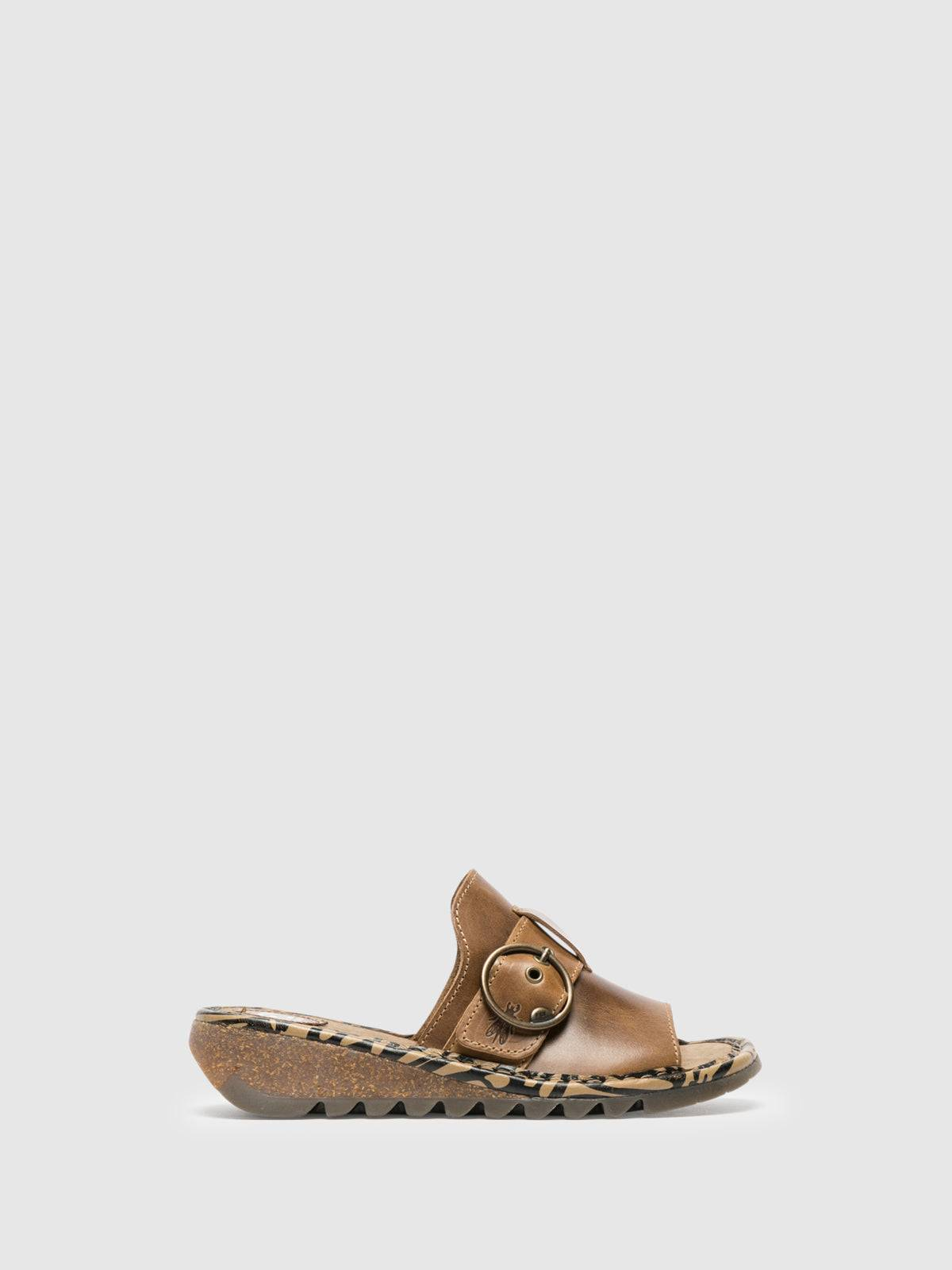 Fly London Mules mit offener Kappe in Camel - Overcube