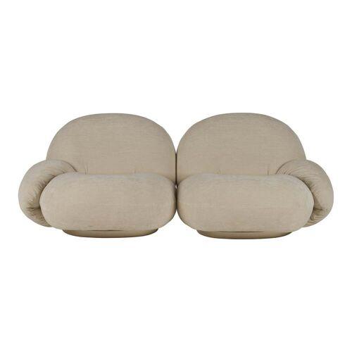 Gubi - Pacha Sofa, 2-Sitzer, perlgold (Dedar Belsuede 007)